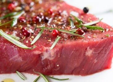 2023-ra már a szupermarketek polcain lehet a tenyésztett hús