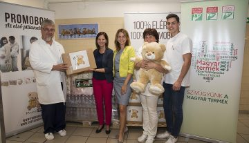 Kórházba és átmeneti otthonba kerültek a PromoBox Magyar Termék ajándékcsomagjai