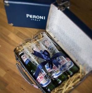 Vitorlát bontott hazánkban az olasz Peroni Nastro Azzurro