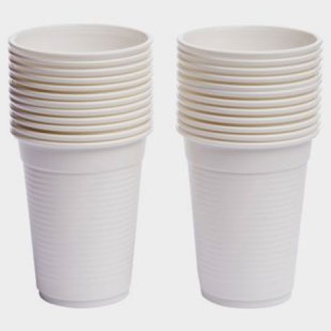 Megszavazta a parlament az egyszer használatos műanyagok betiltását