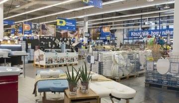 Modernizálja áruházait a Praktiker