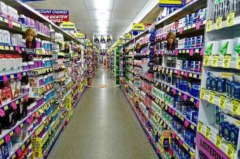 Magazine: Hypermarkets and drugstores in an expanding market