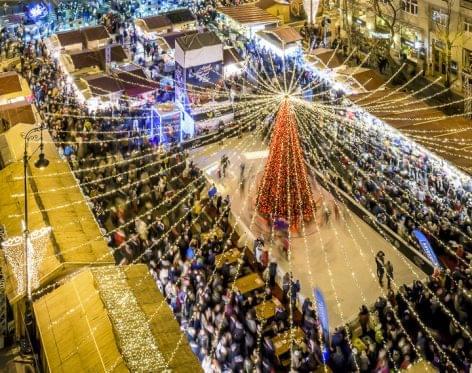 Második helyen Európában a budapesti adventi vásár