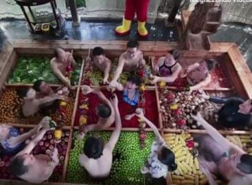 Emberi hot pot – A nap videója