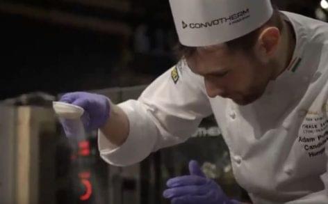 Így versenyzett a magyar csapat a Bocuse d'Or döntőjében – A nap videója
