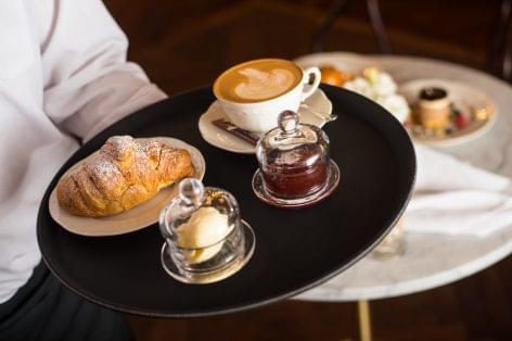 Újjáéledt Budapest egyik legszebb kávézója