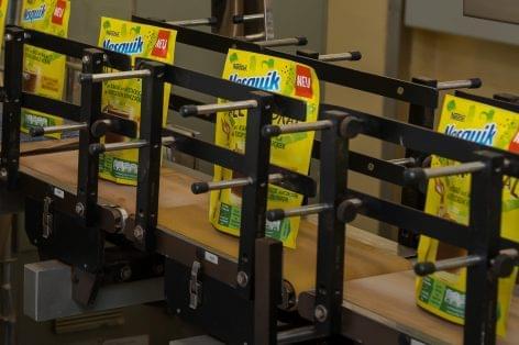 Szerencsen készül az első újrahasznosítható papírcsomagolású NESQUIK kakaópor