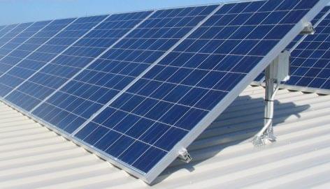 PM-államtitkár: támogatnák a kkv-k napelemes fejlesztéseit