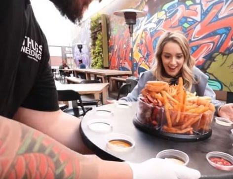 Ebéd játékos kedvű társaságoknak – A nap videója