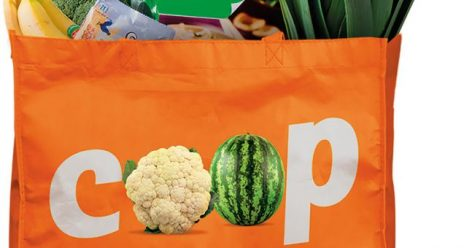 Csökennti újrafelhasználható bevásárlószatyrainak árát a holland Coop