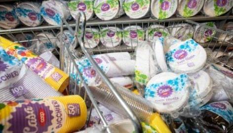 Műanyag tányér-  és pohártilalom az Unicoopnál