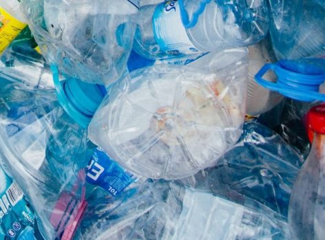 Tízezer tonnánál is több műanyagot kell jövőre helyettesíteni a csomagolószakma érdekképviselete szerint