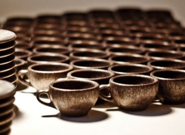 From Waste to Resource: Coffee Cups Made Out of Used Coffee Grounds
