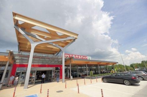 Minden fogyasztói igényt kiszolgáló INTERSPAR várja a vásárlókat Tatán
