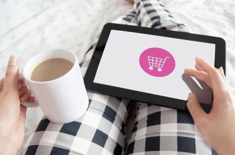Közel 5,4 millió online vásárló hazánkban