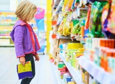 RSPH: kerüljenek el a szemmagasságban lévő polcokról az elhízást okozó élelmiszerek
