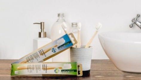 Saját márkás, fenntartható fogkefe a Coop Svájctól
