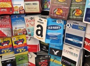 Több mint 200 dollárt költenek az amerikaiak ajándékkártyára