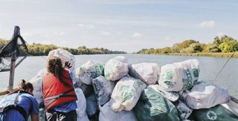 Coca-Cola for a cleaner Tisza