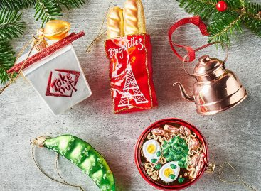 What a gastronomy lover's Christmas tree looks like – Picture of the day