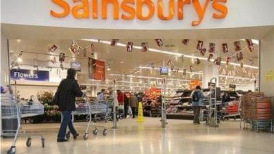Vezetői állásokon spórol a Sainsbury's