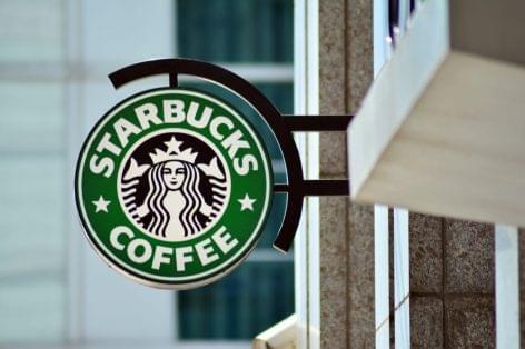 Minden közösségi média-platformon leállítja hirdetéseit a Starbucks