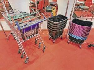 Wanzl Evo-Grip bevásárlókocsik és újrahasznosított műanyag kosarak-FutureStore2020