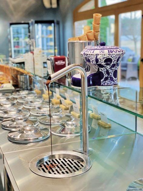 A European confectionery in Tápiószecső
