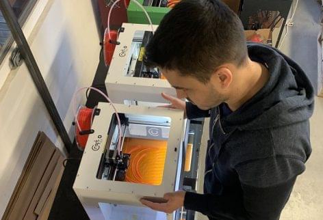The Hungarian 3D printer is also fighting the coronavirus