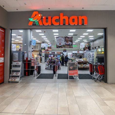 University students can dine with the CEO of Auchan