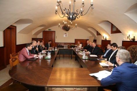 Szakmai és adózási kérdésekről tárgyalt a NAV a vendéglátó ágazat képviselőivel