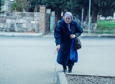 Miért nem maradnak otthon a nyugdíjasok, amikor miattuk van minden korlátozás?
