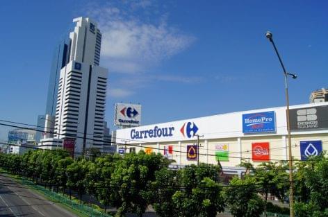 Élelmiszerbuszt tesztel a Carrefour Dubaiban
