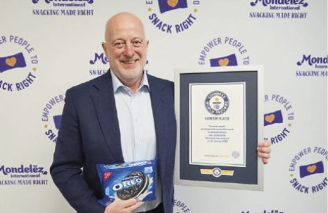 Oreo celebrates with cookie dunking world record