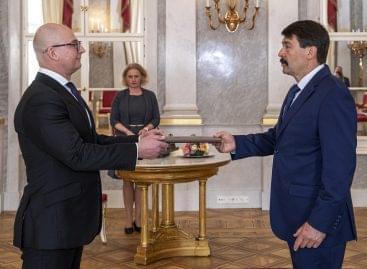 Hivatalosan is Rigó Csaba Balázs a Gazdasági Versenyhivatal elnöke