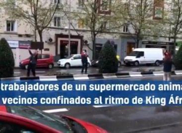 Így buliznak egy madridi áruház dolgozói