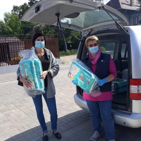 Procter & Gamble: 24 pallets feminine hygiene product for UNICEF Hungary