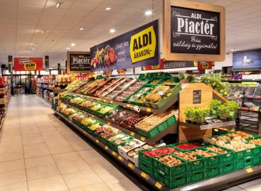 ALDI is preparing for the tourist season with longer opening hours and special pay