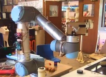 A gépi omlett evolúciójának első szakasza – A nap videója