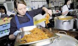 Így eszünk most a munkahelyünkön: szűkültek a lehetőségek a járvány hatására