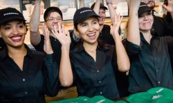 Store where all of the staff is fluent in sign language – Video of the day