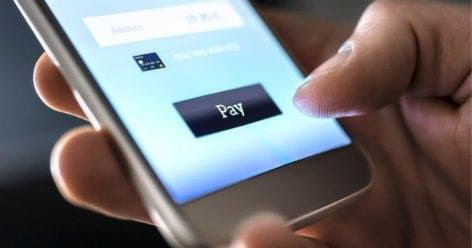 Felmérés: a vásárlók a kontaktmentes fizetést preferálják