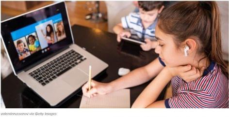 Mobilon rendelik az iskolaszereket az amerikai vásárlók