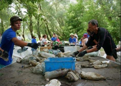A nyolcadik PET Kupa több, mint nyolc tonna hulladékot gyűjtött össze a Tisza Záhony és Tokaj közötti szakaszán