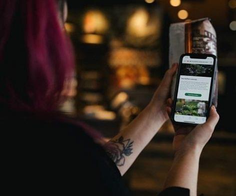 Átláthatóvá teszi a Starbucks a kávéi származását
