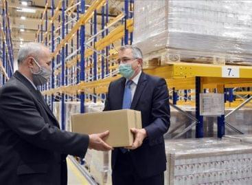 Mintegy nyolcvankétezer üveg Béres Cseppel segíti a gyártó a pedagógusokat