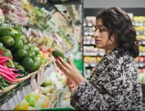 Hogyan befolyásolja a Covid-19 vírus az európai vásárlók fogyasztási szokásait? – A nap videója
