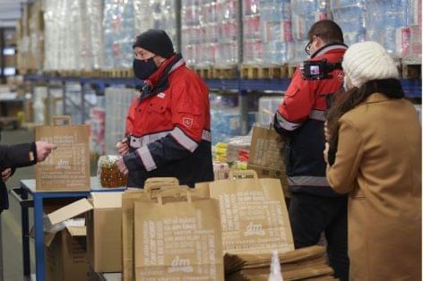 Giving Friday: 17,5 millió forinttal segít a dm