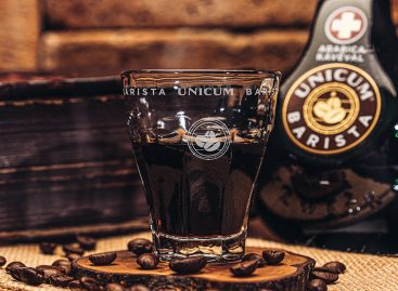 Introducing Unicum Barista from more than 40 Unicum herbs, with arabica coffee extract, aged in oak barrels