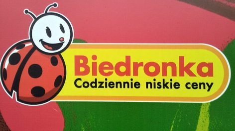 Biedronka protects shoppers with longer opening hours in Poland